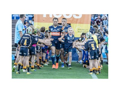 Gold Coast Titans Community Kick In Auction - Lot 1